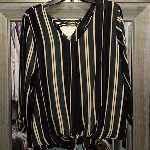 NWT tie front blouse
